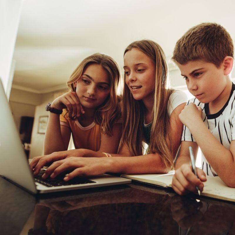 Fabricka.sk-Online kurzy pre tínedžerov
